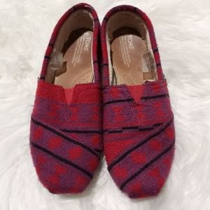 Toms red purple black knit slip on shoes
